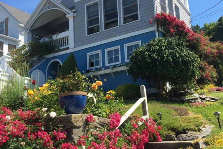 Charming Peaks Island Suite - Portland - House