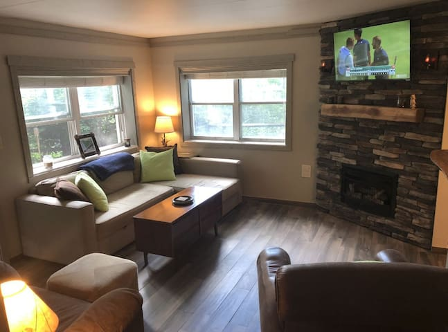 Walk to Downtown Blowing Rock- Lower Unit