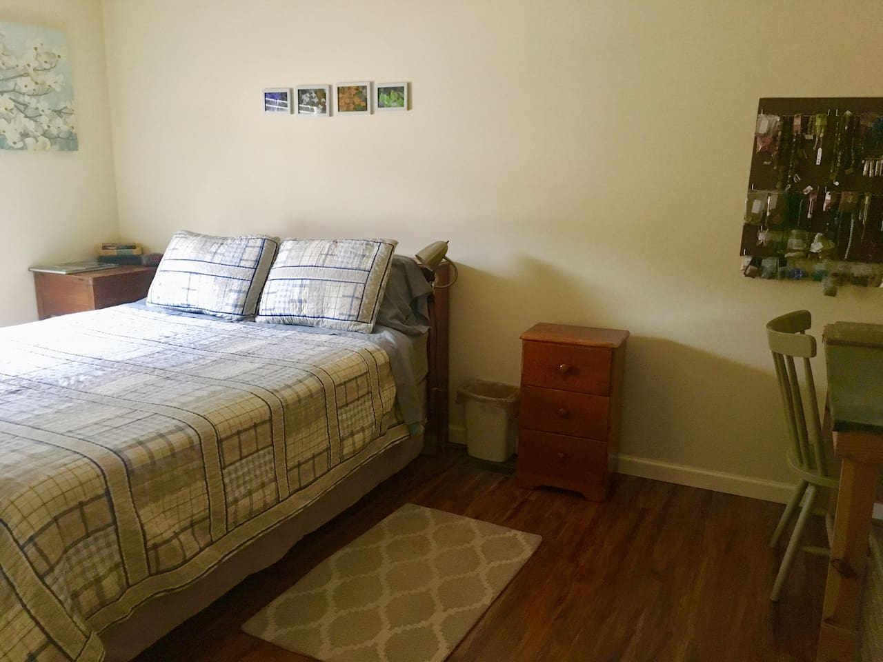 Your Private Room - Queen sized bed. There is space for an air mattress but there is an additional fee of $10 per person per night over 2 people. Max of 4 people.