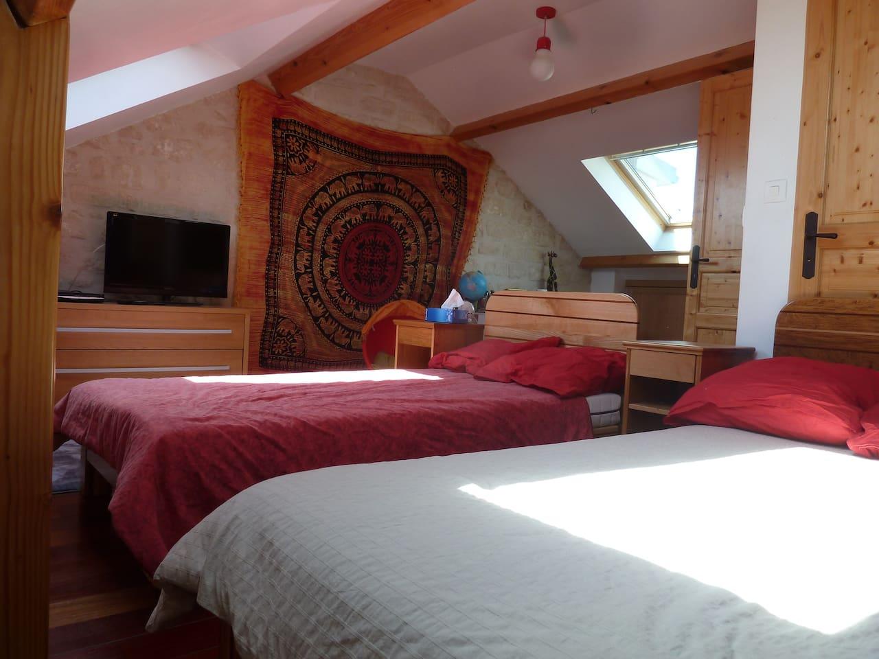 Chambre à louer privative 2 lits accolés ou séparable