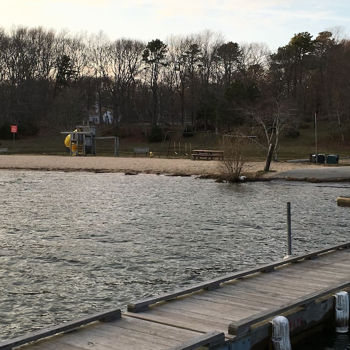 Large Group Friendly Cape Cod Cottage on the Pond - Houses ...