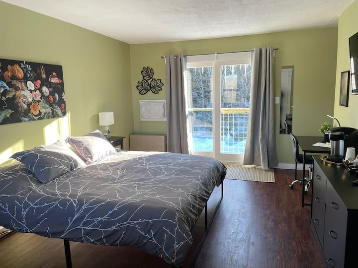 #31 Top Floor-Newly Renovated! Horizon Inn Room 31
