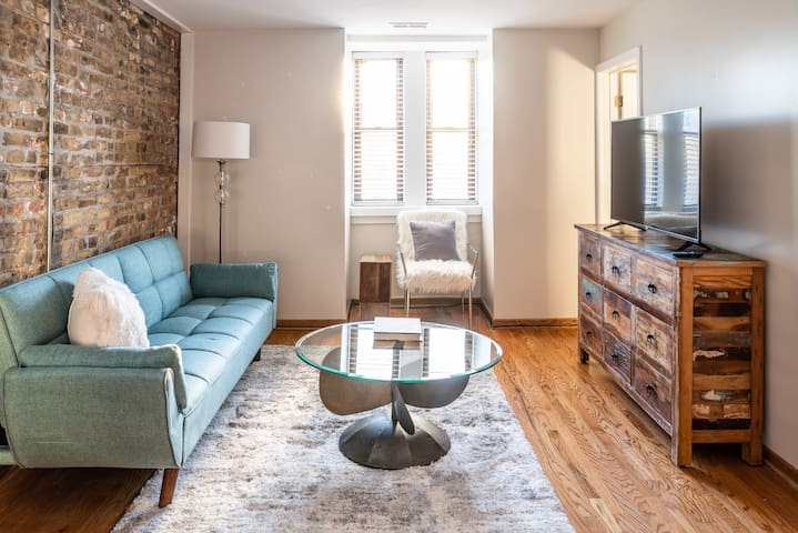 Gorgeous Room in Stylish Apartment - Wicker Park