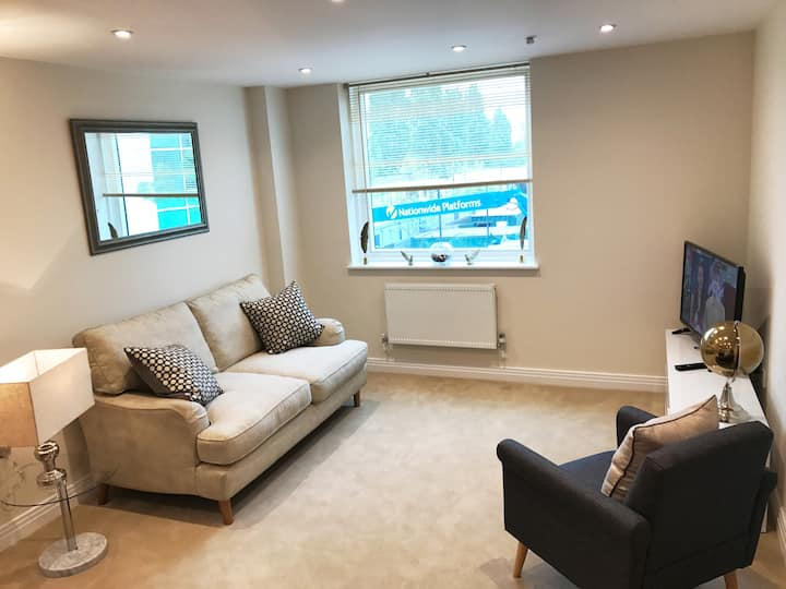 WELWYN GARDEN CITY LUXURY APARTMENT