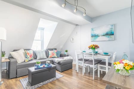Bright and Stylish 1BR - Rooftop Deck - Downtown