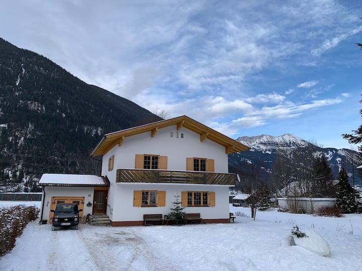 Chalet Villa Alpenlodge