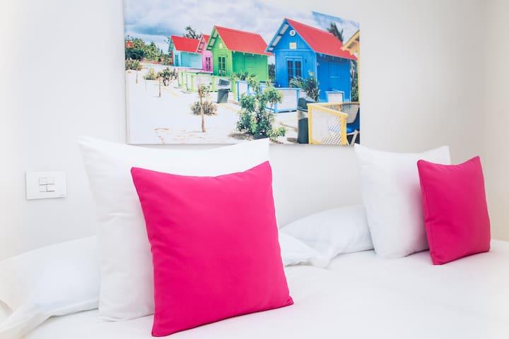 Dormitorio doble Double bedroom Doppelschlafzimmer