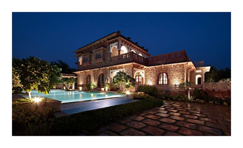 Spacious Luxury in a Lush Garden Setting near Amer