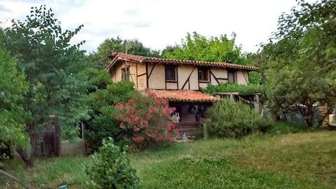Casa Kaira (Casa Entera)Artist home