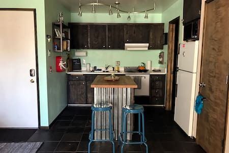 Cute Cozy Charming Condo in town! Great Location! - Mammoth Lakes - Wohnung