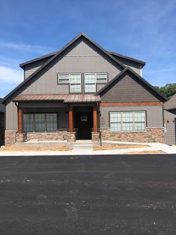 Lakeside Landing BRAND NEW with view of Table Rock