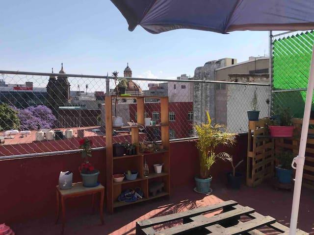 Hermoso cuarto con terraza 5 cuadras del zocalo