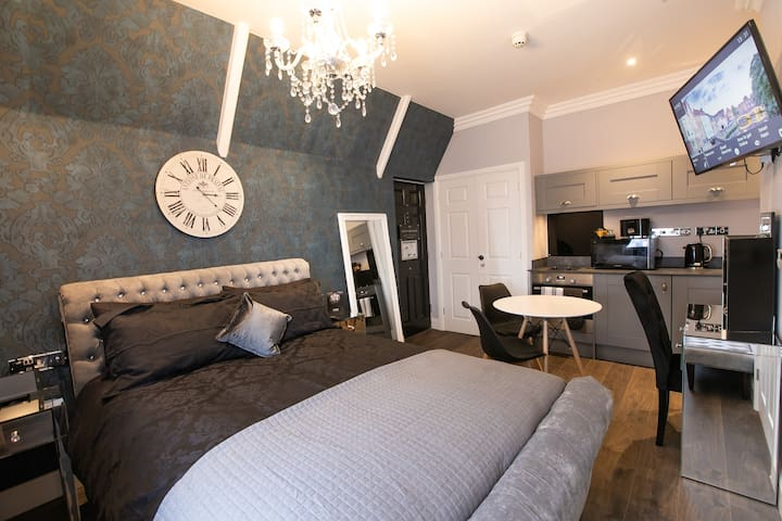 Norwich Market Place - Boutique apartment