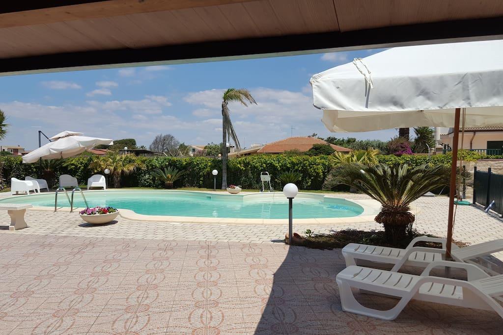 Villa con piscina ville in affitto a santa maria del - Piscina santa maria ...