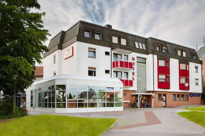 Montana Hotel Nürnberg-West (Oberasbach), Dreibettzimmer