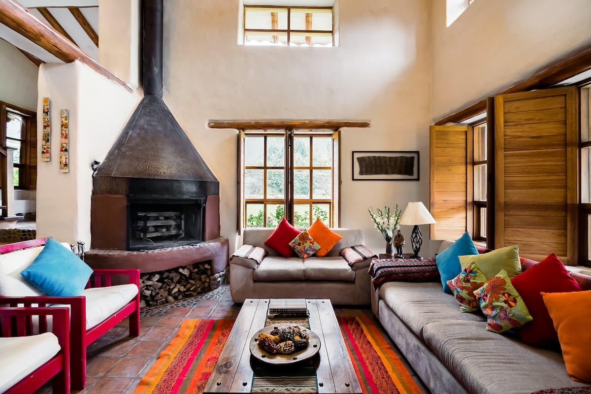 Dream Villa in Andean style in the Sacred Valley. Serviced and near everything.