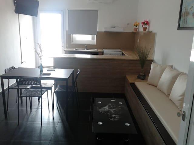 Leonidas of Angyra (Leros 2017) - Agia Marina - Appartement