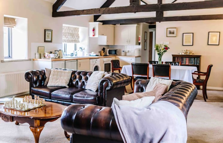 Owls Roost self-catering Barn conversation, Dorset