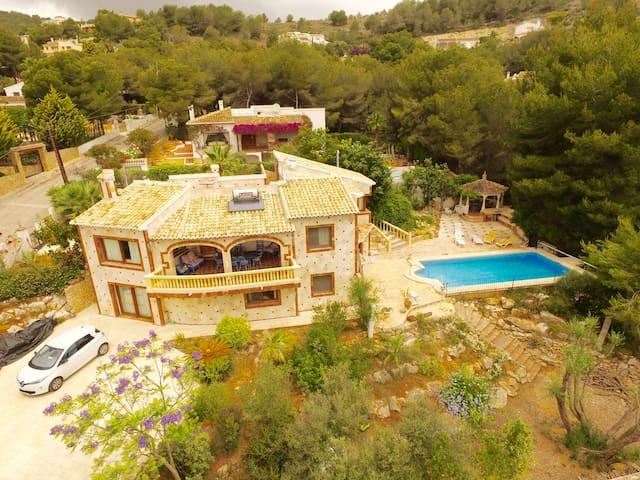 Grand Spanish villa - view, pines and swiming pool - Sol del Este - Villa