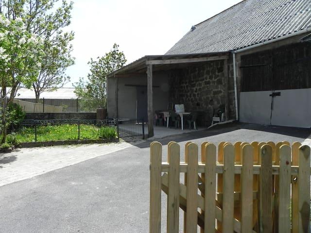 Terrasse couverte avec Barbecue
