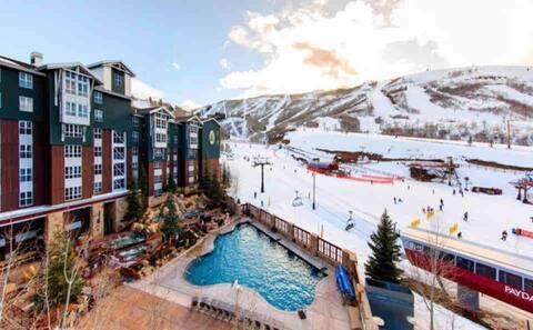 Ski-in/Ski-out Marriott Mountainside Park City!