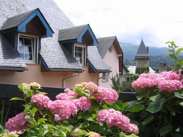 Gite au carrefour des Vallées - Ayzac-Ost - House