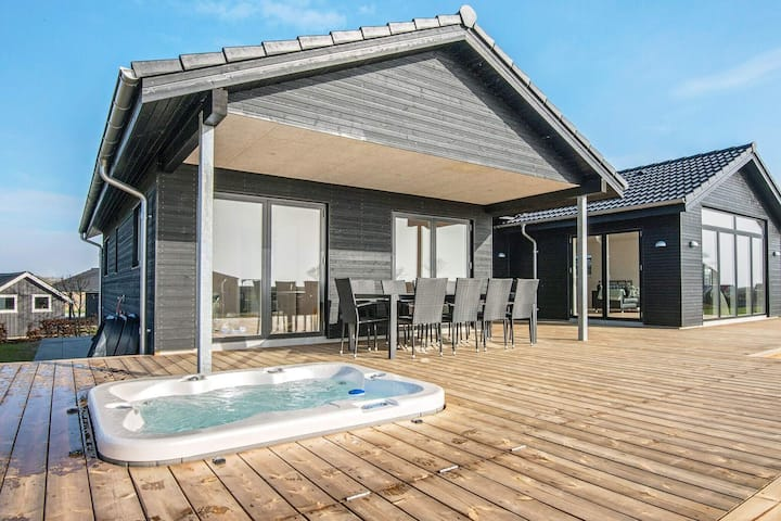 Sea-view Holiday Home in Jutland with Outdoor Whirlpool