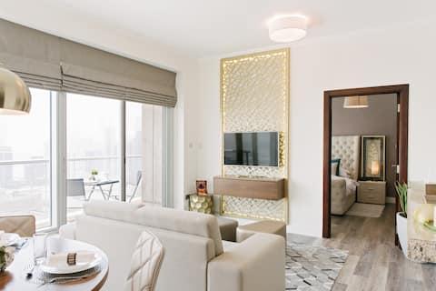 Downtown Dubai Luxury Apartment