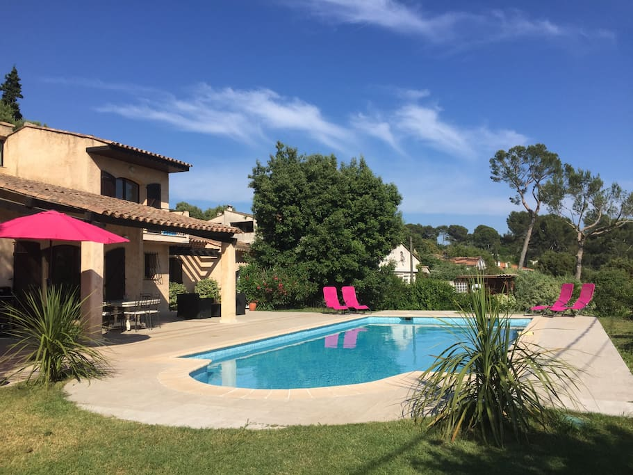 Villa amaca houses for rent in biot provence alpes c te for Piscine 5x10