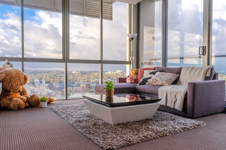 Rhodes Top Level Apt w/ City View & Water View