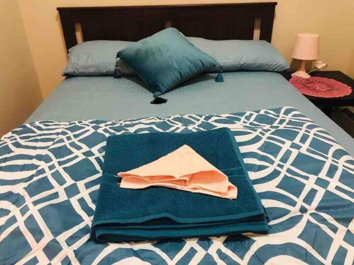 U W S Sunny bedroom near Columbia Uni&Cpark**