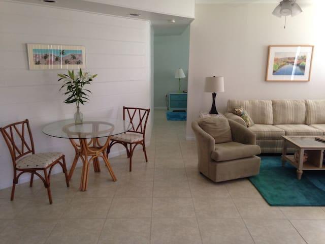 Olde Englewood/Lemon Bay Park - Englewood - Apartment