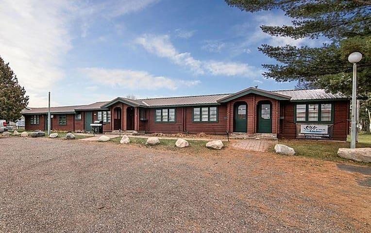 Rib Waters Inn: Cottage