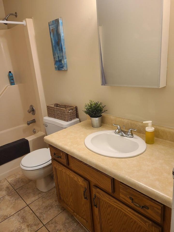 Beautiful oversized 2 bedroom 1.5 bathroom