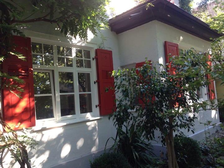 Appartement in stilvoller Villa und perfekter Lage