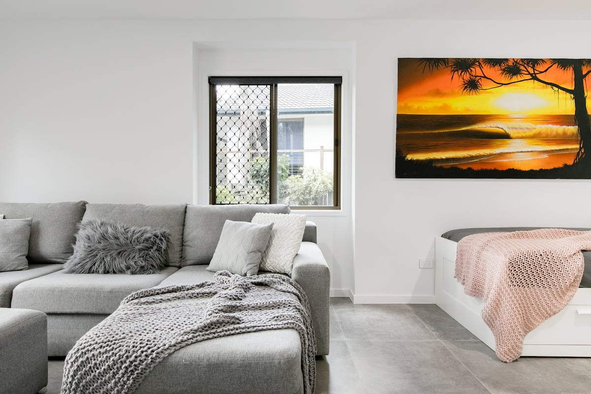 Walk to Burleigh Head National Park from a Relaxed Apartment