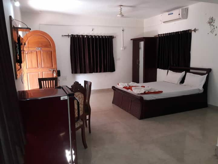Suit Ac room with swimming  pool view  near Ashvem