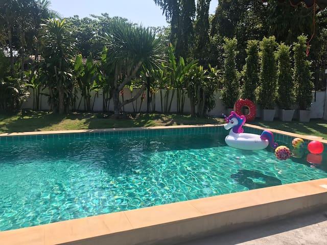 芭提雅象神泳池1号别墅 Pattaya Thai Earawan pool villa No1
