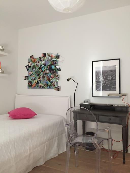 Schlafzimmer en Suite im Erdgeschoss
