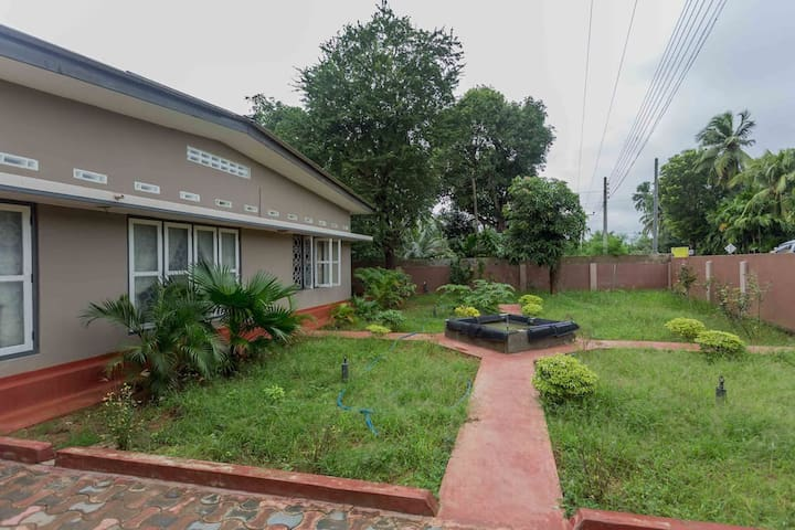 """""""Mathura"""" Home/ Double room D for rental in Jaffna"""