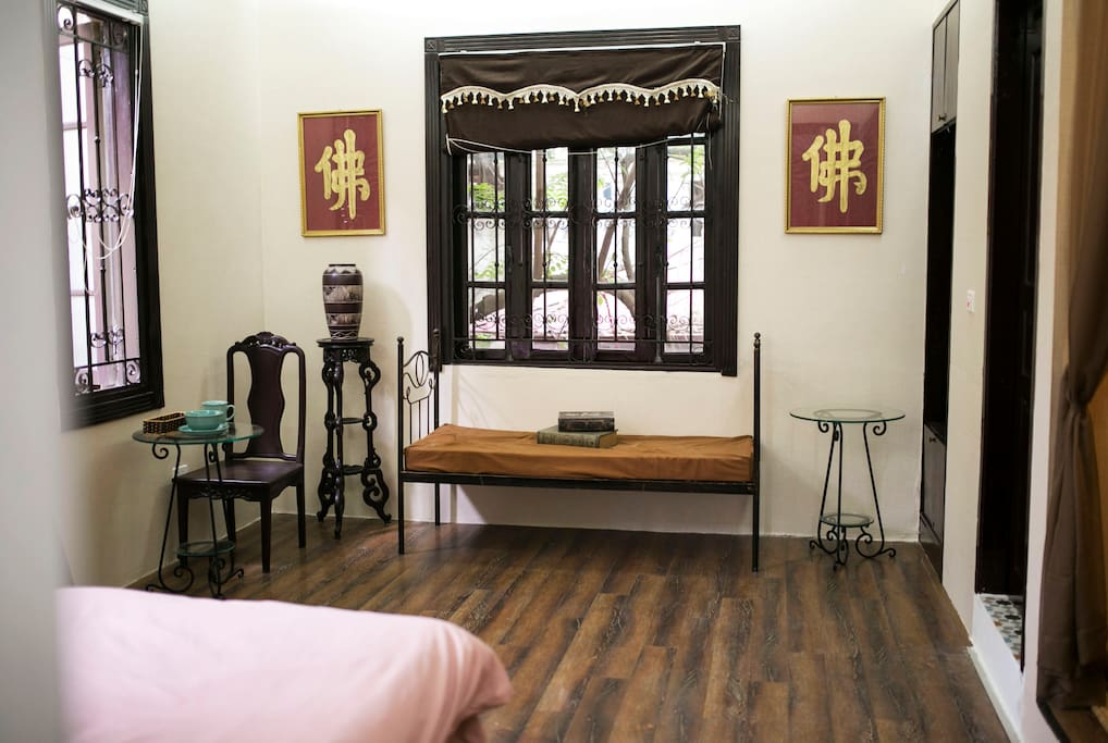 OLD HANOI STUDIO for small groups of 2 -> 4 people
