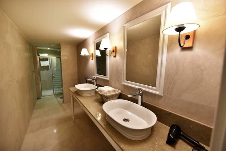 Salonika Suites Hotel/Junior Suite