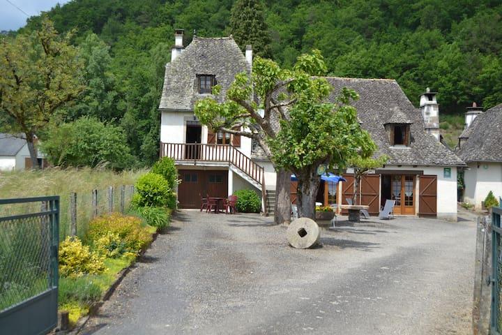 Gîte du Malefarge - Monceaux-sur-Dordogne - Huis