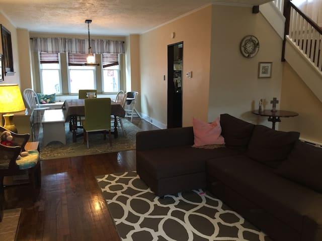 Convenient, Family Friendly home in Squirrel Hill! - Pittsburgh - Hus