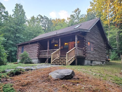 Log Cabin In The  Woods  Very Private Location