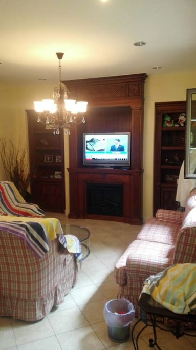 客厅,有电视空调麻将WIFI