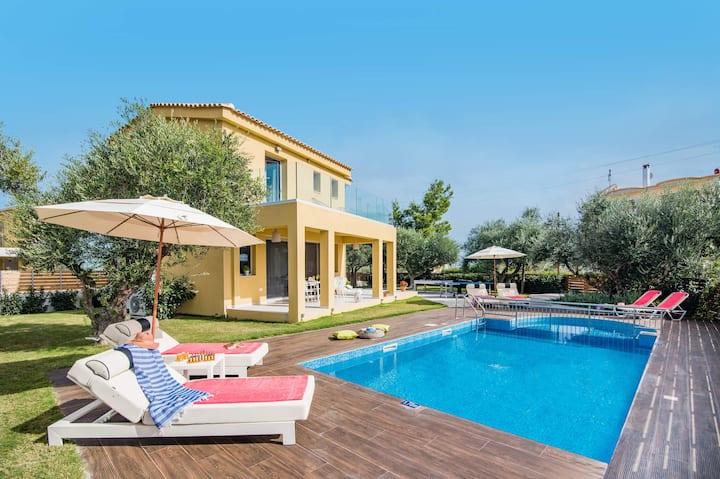 Kaletzia 1 villa with private pool near the beach
