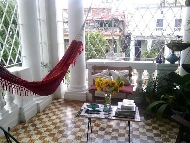 Casa Colonial ¨Vedado1920¨ - Havana - Rumah