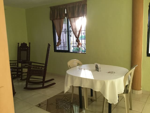 Room 3 Modern, Clean, Cozy Close to down-town - Barahona