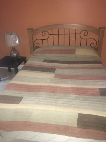 One room available, townhouse - Pembroke Pines - Complexo de Casas
